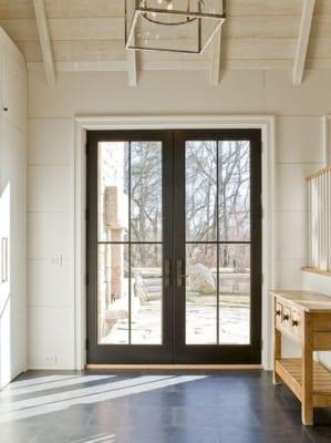 c9de6fb395ac17e67ad13bda849913f4 299x400 - Đẩy lùi điềm xấu từ cửa ra vào, cửa sổ
