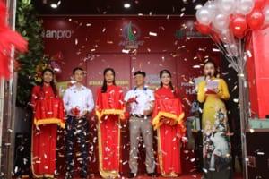 Khai truong showroom Nha Phan Phoi AnPro Nha Trang 7 300x200 - Khai trương Showroom nhà phân phối Anpro tại Nha Trang