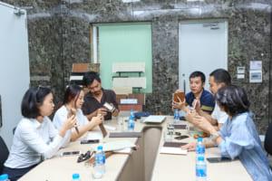 SON 4573 300x200 - Cùng kiến trúc sư Việt trải nghiệm thực tế nhà máy sản xuất AnPro