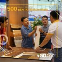 Nhân viên AnPro tư vấn cho khách hàng