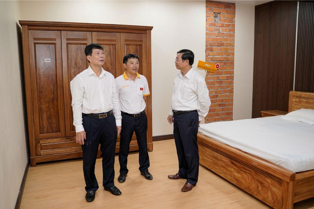 HBU9770 - Showroom
