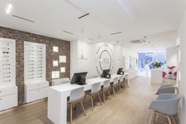 Leightons Opticians Hearing Care by SKK Design Reading UK 600x400 - Sàn vân gỗ AnPro có phù hợp cho không gian phòng sạch!?